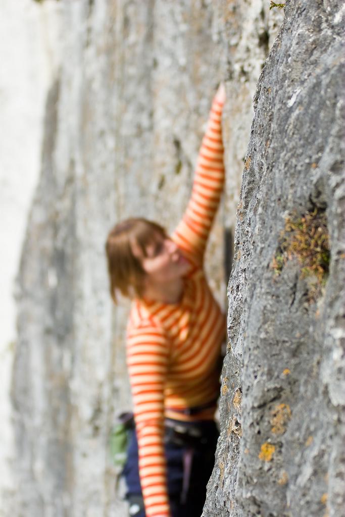 Retrieving a memory is like climbing a rock